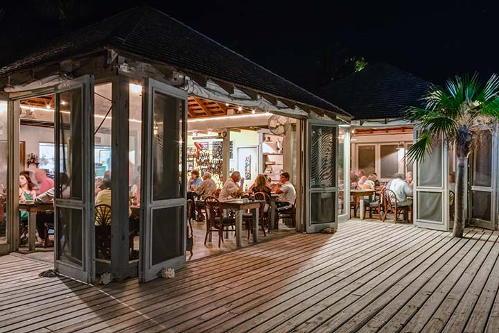 Tippy S Restaurant Beachside Bar Eleuthera Bahamas